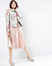 le fashion image,blogger,sweater,jacket,skirt,shoes,pleated skirt,pink skirt,floral jacket,loafers,pink shoes
