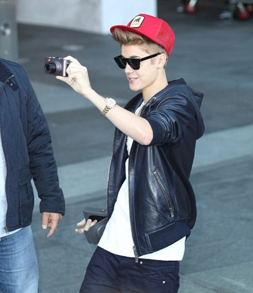 justin bieber sunglasses justin bieber snapback red leather black jacket