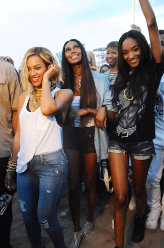 jeans beyonce ripped jeans
