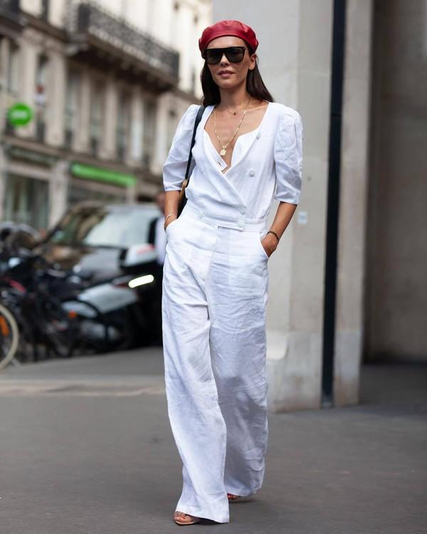 jumpsuit white jumpsuit wide-leg pants sandals sunglasses chain necklace