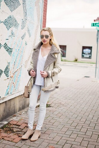hustle and halcyon blogger white jeans shearling jacket suede booties