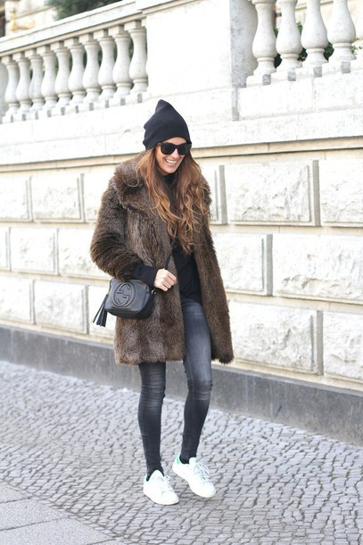 stella wants to die blogger grey jeans faux fur coat gucci bag coat jeans top bag sunglasses