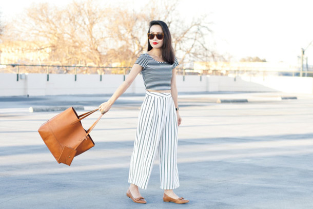 it's not her it's me blogger tote bag leather bag stripes wide-leg pants striped pants