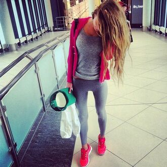 leggings grey tank top pink sweatshirt grey leggings pink sneakers blogger gym clothes workout