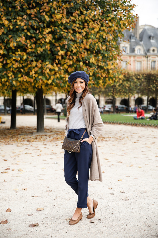 hat tumblr beret pants blue pants top white top turtleneck cardigan shoes ballet flats flats crossbody bag