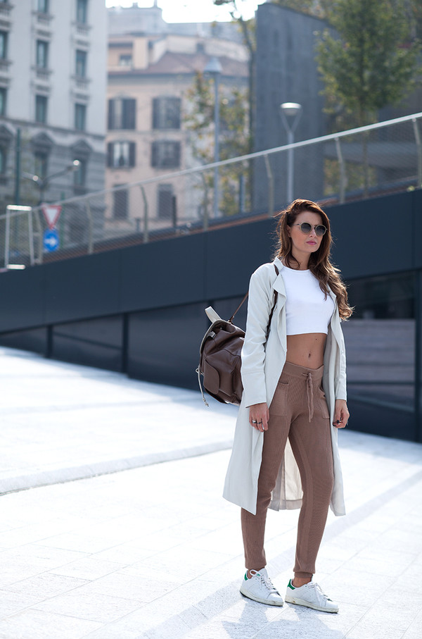 the fashion fruit blogger jewels mirrored sunglasses camel backpack