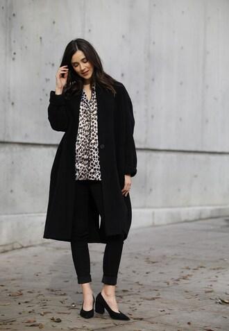 inspades blogger coat pajamas top jeans shoes pumps black coat winter outfits
