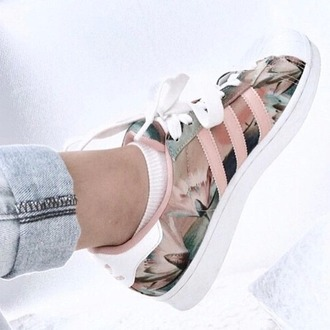 shoes adidas supertars pastel sneakers floral shoes adidas adidas shoes adidas originals sneakers superstar flowers cute trendy urban streetstyle kicks with chicks kicks girls sneakers adidas superstars colorful pink style fashion dusty pink