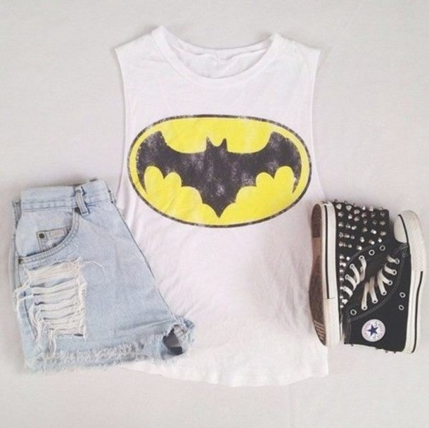 shirt batman girl shoes shorts tank top black white high tops blouse t-shirt cool swag converse top superheroes yellow tank top spiked shoes muscle tee batman tank top batman shirt batman logo summer outfits spiky ripped shorts denim denim shorts linne