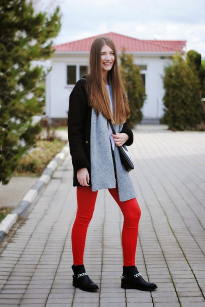 yuliasi blogger coat red pants knitted scarf grey scarf