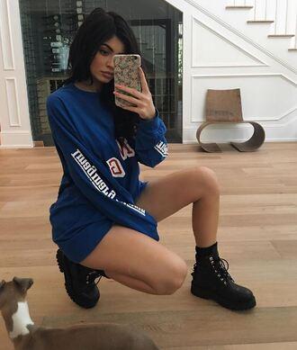 sweater sweatshirt kylie jenner instagram boots kardashians shoes