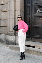 top,pink top,white pants,pants,boots,black boots,sunglasses