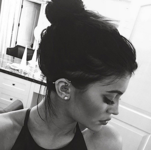 make-up kylie jenner hairstyles