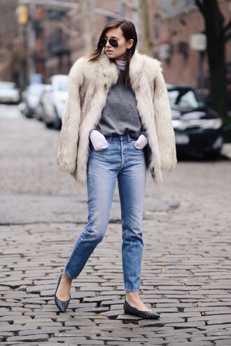 coat faux fur coat boyfriend jeans black jeans grey sweater blogger sunglasses
