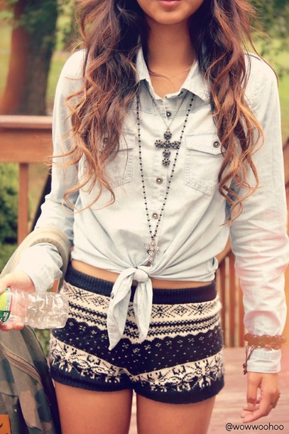 knitwear chambray denim shirt cross necklace spring outfits outfit outfit idea cute outfits mini shorts tie-front top jewels t-shirt black shorts denim top shorts jacket shirt