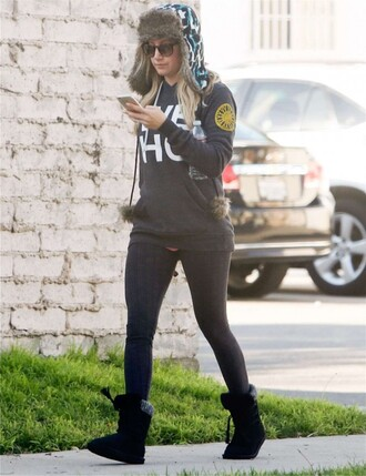 hat leggings ashley tisdale
