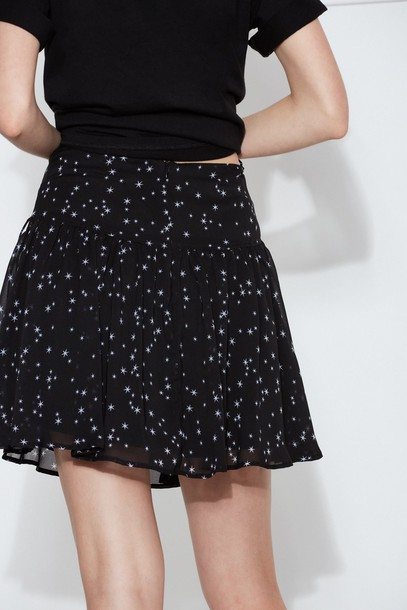 The fifth skirt black