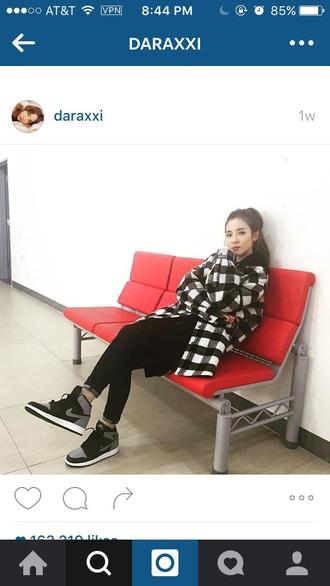 shoes dara 2ne1 dara kpop idol korean style kpop kdrama korean idol korean fashion korean street style ulzzang cardigan