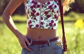 shirt,bralette,bustier,red,floral,tank top,flowers,zip,crop,top,crop tops,shorts,t-shirt,date outfit,blouse,roses,floral tank top,High waisted shorts,belt,leather,white bustier,white,denim shorts,denim,summer outfits,jeans,beautiful,outfit,summer top,floral shirt