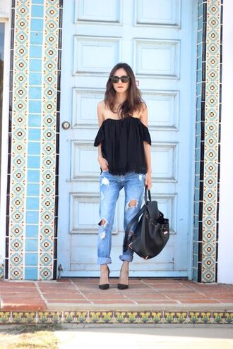 frankie hearts fashion blogger top jeans shoes sunglasses