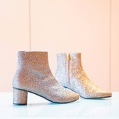 shoes,silver shoes