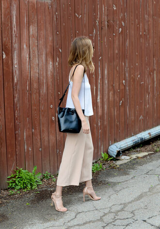 see anna jane blogger tank top bag shoes sunglasses