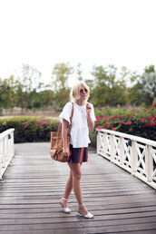 into the fold,t-shirt,skirt,shoes,bag,sunglasses
