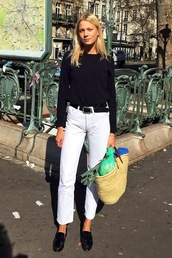 le fashion image,blogger,bag,black top,long sleeves,black sweater,white jeans,high waisted jeans,black flats,basket bag