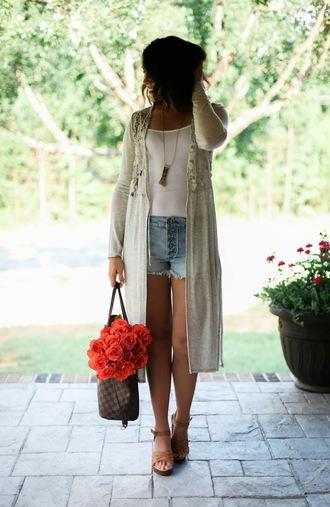life & messy hair blogger jewels tank top bag sunglasses shorts shoes