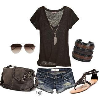 shirt clothes brown t-shirt t-shirt shorts jewels bag