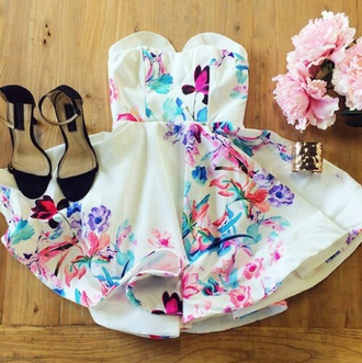 dress white dress printed dress floral floral dress multicolored print multicolor print strapless dress short dress strapless sleeveless tube dress sweetheart dress sweetheart neckline sleeveless dress