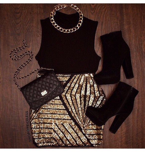 skirt top chain gold gold sequins black skirt blouse high heels outfit purse bag shorts shoes jewels
