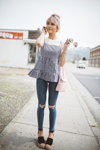 cara loren blogger top t-shirt jeans shoes sunglasses bag jewels make-up espadrilles wedge sandals gingham spring outfits skinny jeans pink bag