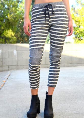 pants gray sweatpants striped pants joggers joggers sweats jogger sweatpants jogger sweats grey grey sweatpants