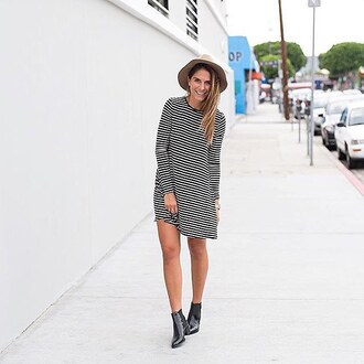 dress de lacy fall outfits revolveme robe rayure rayures noir  et blanc black black and white stripes striped dress french robe courte manche longues long sleeves long sleeve dress fall dress fall colors revolve revolve clothing