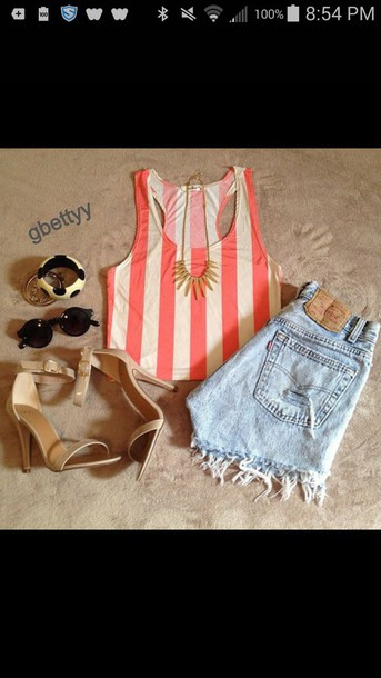 tank top shorts heels jewelry