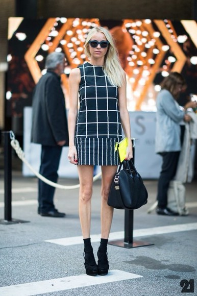 white tunic dress black tunic dress bag street style shift dress monochrome black and white