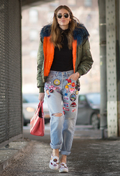 jacket,green,khaki,fur,faux fur,chiara ferragni,spring,urban,hipster,coolness,summer,summertime,orange,model,chiaraferragni,style,blogger,denim,pants,jeans,boyrfriend jeans,patch,jeans with patches,ripped jeans