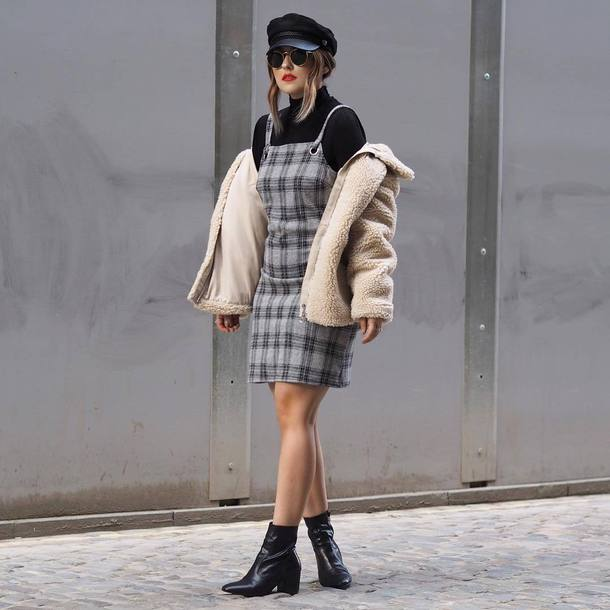 dress tumblr plaid plaid dress mini dress grey dress top black top turtleneck black turtleneck top boots black boots ankle boots jacket fuzzy jacket fisherman cap