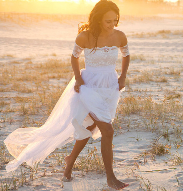 Beach lace wedding dress for Lace beach wedding dresses