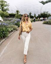 jeans,white jeans,flat sandals,stripes,bag,shirt