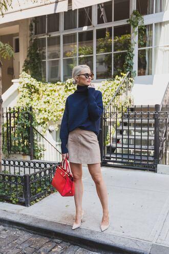 sweater blue sweater red bag tumblr skirt mini skirt nude skirt bag pumps slingbacks sunglasses