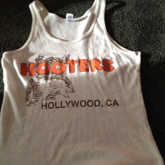 hooters - Hooters shirt from Vallen's closet on Poshmark