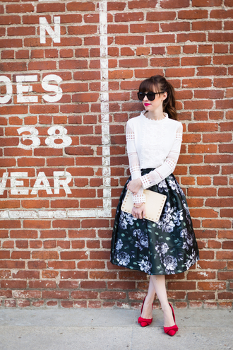 m loves m blogger sunglasses pouch retro white top long sleeves roses midi skirt red heels floral midi skirt midi floral skirt