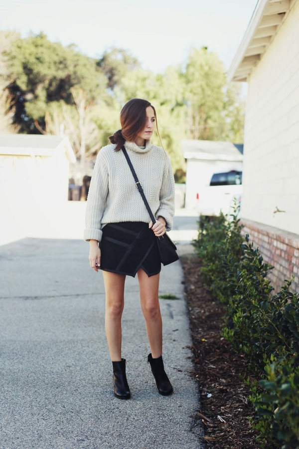 snakes nest sweater skirt shoes bag