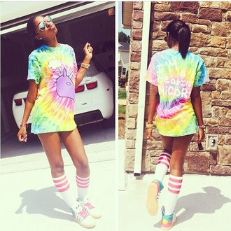 shoes justine skye alien rainbow shirt