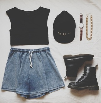 skirt blue shoes shorts cotton boots combat boots watch huf hat crop tops black chain gold laces chunky boots shirt dr. martens doc martins necklace top crop denim grunge clothes short denim skirt jewels skater skirt vintage hipster blue skirt jeans tank top t-shirt summer