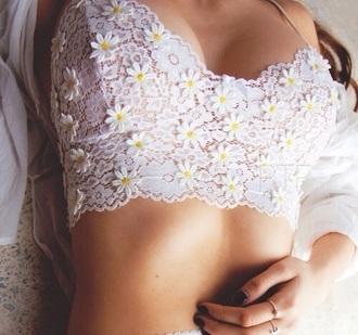 top white daisy belly free daisy top