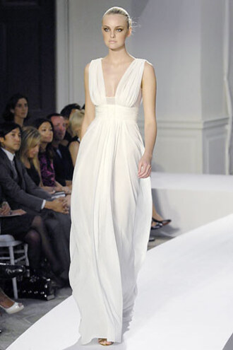 dress oscar de la renta spring 08 white flowy gossip girl serena van der woodsen wedding dress deep v dress