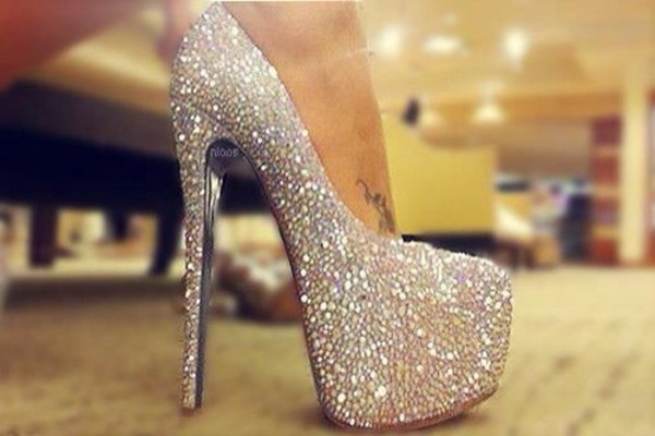 shoes glittery silver fashion glamour glitter shoes glitter pumps high heels where did u get that summer party